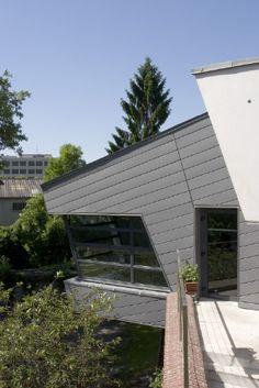 Foyer pour jeunes, St Quentin (France) #Architecture #Project #Zinc #VMZINC #PublicBuilding #QuartzZinc #France #Foyer #Roofing #Facade