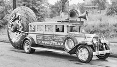 The World's Largest Airwheels Tour the Nation for Goodyear on 1929 Buick Chassis Old Pickup, Jeep Pickup, Pickup Trucks, Pickup Camper, Lifted Trucks, Vintage Trucks, Old Trucks, Weird Cars, Cool Cars