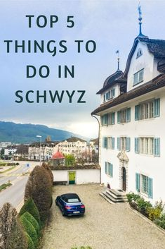 Schwyz is a beautiful old Swiss town full of history and hiking opportunities. Let us discover top things to do in Schwyz. Places In Switzerland, Visit Switzerland, Travel Around The World, Around The Worlds, Cozy Restaurant, Hiking Places, Paragliding, Swiss Alps, Architecture Old