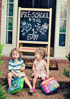 First-day-of-school photo ideas to up your Insta game: Get the siblings involved