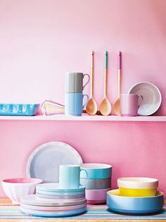 Plates this pretty shouldn't be hidden. Display colourful crockery on open shelves to brighten up your kitchen.