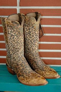 Animal Print #boots #cowgirl http://haveheartdaily.com/handbags--totes.html