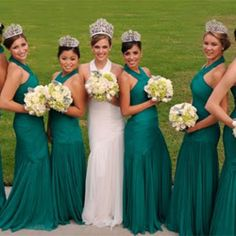 My cousin Evanne Friedman is the one in white. The 2011 Rose Bowl Queen from Cali. So proud of my cousin! Rose Bowl Parade, Royal Court, Tiaras And Crowns, Hello Beautiful, Bridesmaid Dresses, Wedding Dresses, Pageant, Fancy Dress, Costumes