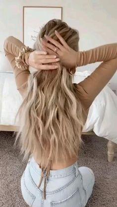 Hairdo For Long Hair, Bun Hairstyles For Long Hair, Summer Hairstyles For Medium Hair, Cute Simple Hairstyles, Work Hairstyles, Hair Updo, Medium Hair Styles, Curly Hair Styles, Hair Upstyles