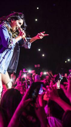 Idol, Concert, Chile, Queen, Instagram, Black Hair, Singers, Actresses, Celebs