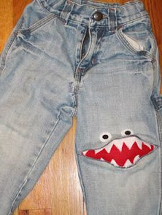 I so need these for braeden' s pants Love Sewing, Sewing For Kids, Sewing Hacks, Sewing Projects, How To Patch Jeans, Baby Kids Wear, Jeans Refashion, Upcycled Crafts, Animal Pillows
