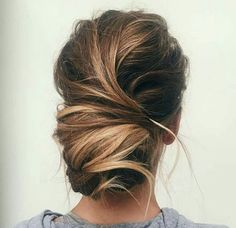 Gorgeous messy bun for wedding or every day!
