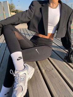 Mode Outfits, Sport Outfits, Fashion Outfits, Prep Fashion, School Outfits, Style Fashion, Minimalist Fashion Summer, Workout Aesthetic, Spring Fashion Trends