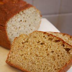 Le breadicake au sarrasin. Un mélange savoureux de pain et de cake sans gluten sans lactose. Pour un petit déjeuner à tomber !