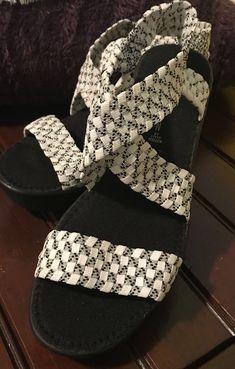 8fc0a7d6aef Steven by Steve Madden bingoo 9.5 Black and White sandal checkered strap   fashion  clothing