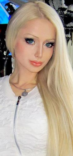 This person just looks weird Living Barbie, Living Dolls, Blond, Celebrity Surgery, Human Doll, Russian Beauty, Cosplay, Plastic Surgery, True Beauty