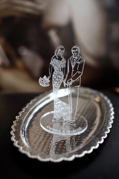 tailor-made perspex cake toppers with your wedding illustration (available at www.AstridMuellerExclusive.com - a unique design accent and keepsake