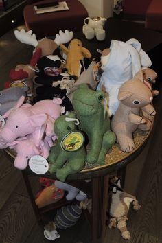 Lausanne, Your Pet, Dinosaur Stuffed Animal, Organization, Pets, Animals, Shopping, Decor, Getting Organized