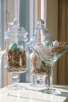 44 Unique Easiest Diy Centerpiece Christmas Table Decorating Ideas - Page 4 of 44 - Abantiades Decor Christmas Table Centerpieces, Easter Table Decorations, Diy Centerpieces, Easter Decor, Easter Centerpiece, Easter Ideas, Spring Decorations, Easter Table Settings, Tree Decorations