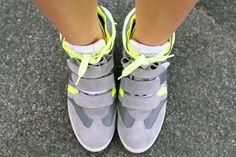Irene's Closet - Fashion blogger outfit e streetstyle: Serafini sneakers con la zeppa e dettagli chic