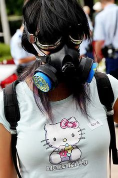 21 Historical Shots From Protest Pictures From All over the World Gas Mask Girl, Fetish Fashion, Human Emotions, All Over The World, Hello Kitty, 21st, Cosplay, Pictures, Photography