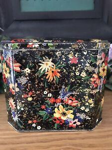 Vintage Macfarlane Lang Octagonal Chinz Floral Black Tin | eBay Lang Co, Box Houses, Bird Theme, Tea Caddy, Pretty Flowers, Tin, Decorative Boxes, Lunch Box, Ebay