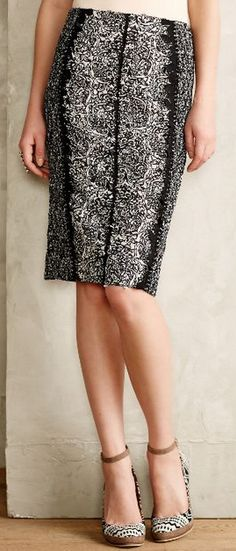 patterned pencil skirt  http://rstyle.me/n/v2vjepdpe