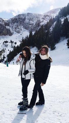 🤠off witte kleur, witte kleding, wit licht, off-white broek . Mode Au Ski, Poses Photo, Snow Pictures, Ski Vacation, Winter Pictures, Best Friend Goals, Ski And Snowboard, Winter Photography, Friend Pictures