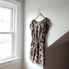 3d2253d1 @lisaloveslions on Depop Vintage floral dress Size Medium Dropped cap  sleeve and light elastic waistband