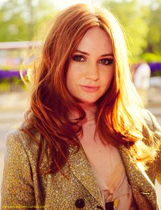 I wish i could pull off red hair like Karen Gillan (aka Amy Pond) can!! Gorgeous