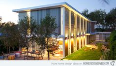 A Dash of the Hi-tech Sunlight Residence in Los Angeles, CA