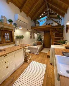 Tiny House Loft, Tiny House Living, Tiny House Plans, Small House Design, Home Room Design, Box Houses, Little Houses, Log Homes, Tiny Homes