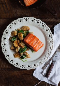 Maple glazed trout with lima beans salad Dairy Free Recipes, Healthy Recipes, Gluten Free, Salty Foods, Best Food Ever, Fish And Seafood, Seafood Recipes, Food Photography, Easy Meals