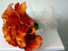 fall wedding bouquets with calla lilies