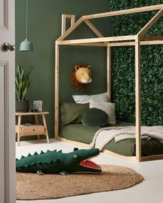 child room deco jungle trophy lion painting sage green The pin is baby. Girls Bedroom, Bedroom Decor, Design Bedroom, Bedroom Ideas, Nursery Ideas, Kid Bedrooms, 50s Bedroom, Jungle Bedroom, Jungle Nursery