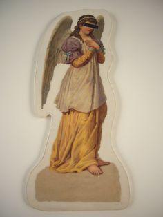 Engel sind sehr scheue Wesen. Auch sie müssen sich wie der Weihnachtsmann  auf dem hart umkämpften Engelsmarkt behaupten, denn ihre Mitstreiter sind g