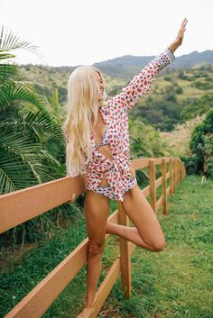 Hot college girl in bikini perfect swimsuits pinterest for Barefoot blonde