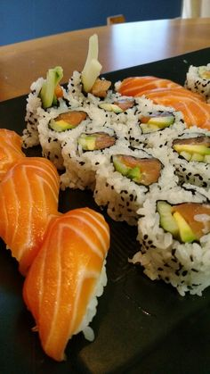 [H] Sunday Salmon Sushi #sushi #food #foodporn #japanese #Japan #dinner #sashimi #yummy #foodie #lunch #yum
