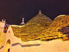 https://flic.kr/p/CiWy5f | cala la notte su Alberobello