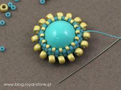 Margaretta - wisior z koralikami Dagger - tutorial royal-stone. Art Tips, Beading Patterns, Beaded Jewelry, Projects To Try, Jewelry Making, Beads, Stone, Earrings, Blog