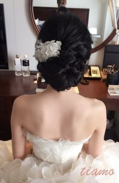 Vera Wangから色打掛へと大変身♡幸せホテルウエディング  大人可愛いブライダルヘアメイク『tiamo』の結婚カタログ