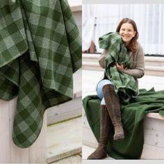 In herausragende Qualität zu investieren zahlt sich immer aus - schließlich beschert sie uns Tag für Tag Freude und das über viele, viele Jahre! Decken und Kissen aus natürlichen, anschmiegsamen, weichen und wärmenden Fasern, die ein angenehmes Hautgefühl bescheren, sind da ganz nach unserem Geschmack!