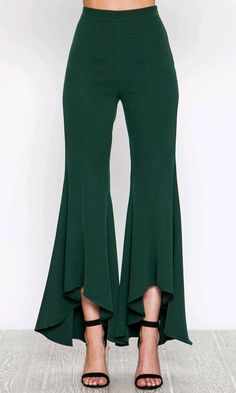 Style Statement Green Pants – Silk N Honey Boutique Fashion Pants, Fashion Dresses, Sleeves Designs For Dresses, Ruffle Pants, Pants For Women, Clothes For Women, Pakistani Dress Design, Green Pants, Pants Pattern