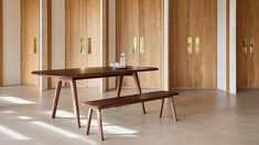 David Rockwell designs Sage office furniture to be more sustainable and adaptable Furniture Making, Office Furniture, Rockwell Group, Space Dividers, Set Design Theatre, Sit Stand Desk, Curved Wood, London Design Festival, Meeting Table