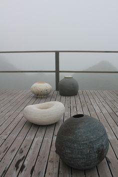 浜名一憲展 - 陶芸の枠を超える自由でプリミティブな美しさ|GCGC