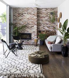 Det här hemmet är min våta dröm - de har pool utanför glasdörrarna! Vad tycker ni som sett reportaget i nya numret? Emigrera till Australien? ;-) Nytt nummer i butik nu! /Monika #skönahem #nyttnr #inredning #inspiration