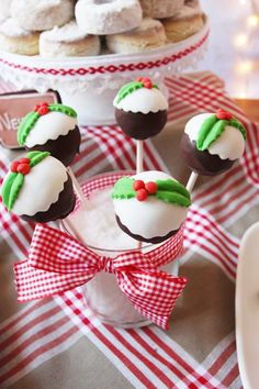 christmas cake pops.