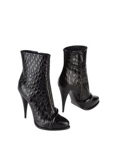 Bottines Givenchy sur YOOX Automne-Hiver 2012