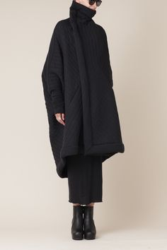 Visions of the Future // Rick Owens Lilies Quilted Sail Coat Dark Fashion, Winter Fashion, Fashion Tips, Fashion Design, Fashion Fashion, Korean Fashion, Looks Style, Style Me, Moda Chic