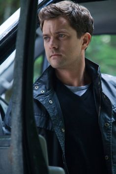 He's not the best looking guy, yet something about him is so attractive - Joshua Jackson in Fringe