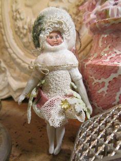 http://www.ebay.de/itm/CBS-Haenger-Winter-Maedchen-Watte-Glocke-Christmas-Weiss-Frankreich-JDL-Brocante-/221948065932?_trksid=p2047675.l2557