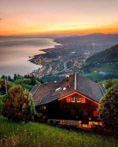 Places To Travel, Travel Destinations, Places To Visit, Vevey, Beautiful Places, Around The Worlds, Tours, Adventure, Vacation
