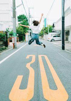 Self Photography, Portrait Photography, Diy Photo, Photo Art, Figure Poses, Best Portraits, Japan Photo, Photo Reference, Digital Illustration