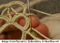 Racaire of Racaire's Embroidery & Needlework has posted a tutorial for Stäbchen — needlelace based on a type of buttonhole stitch. See the tute. And be sure to scroll through her po… Crochet Doily Patterns, Tatting Patterns, Lace Patterns, Crochet Lace, Doilies Crochet, Clothes Patterns, Dress Patterns, Needle Tatting, Tatting Lace