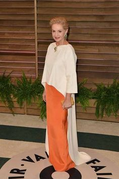 InStyle is the leading site for celebrity style. See expert fashion advice, star hairstyles, beauty tips, how-to videos and real-time red carpet coverage. Glamour, Vanity Fair Oscar Party, Mode Hijab, Carolina Herrera, Evening Dresses, Street Style, Style Inspiration, Gowns, Stylish
